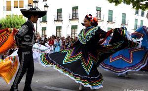 4.000 personas en la 34 edición del Festival Internacional de Folclore de Baza