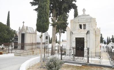 Concluye la renovación del principal acceso del cementerio municipal de Baza