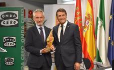 Onda Cero Baza recibe el premio Cascamorras que concede el Ayuntamiento bastetano
