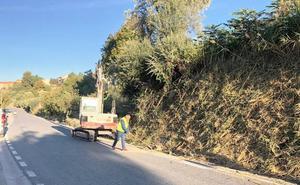 Diputación realiza trabajos de mejora en la carretera entre Benamaurel y Cúllar