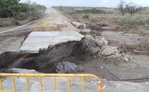 Baza pide a la Junta la restauración de 70 kilómetros caminos rurales