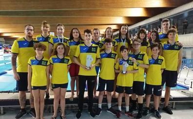 CN SunWood Churriana logra el segundo puesto en la categoría alevín femenina en el Campeonato de Andalucía de Natación