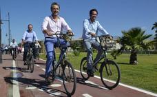 Junta y Consistorio se suben a la sostenibilidad al completar 16 kilómetros de carril bici