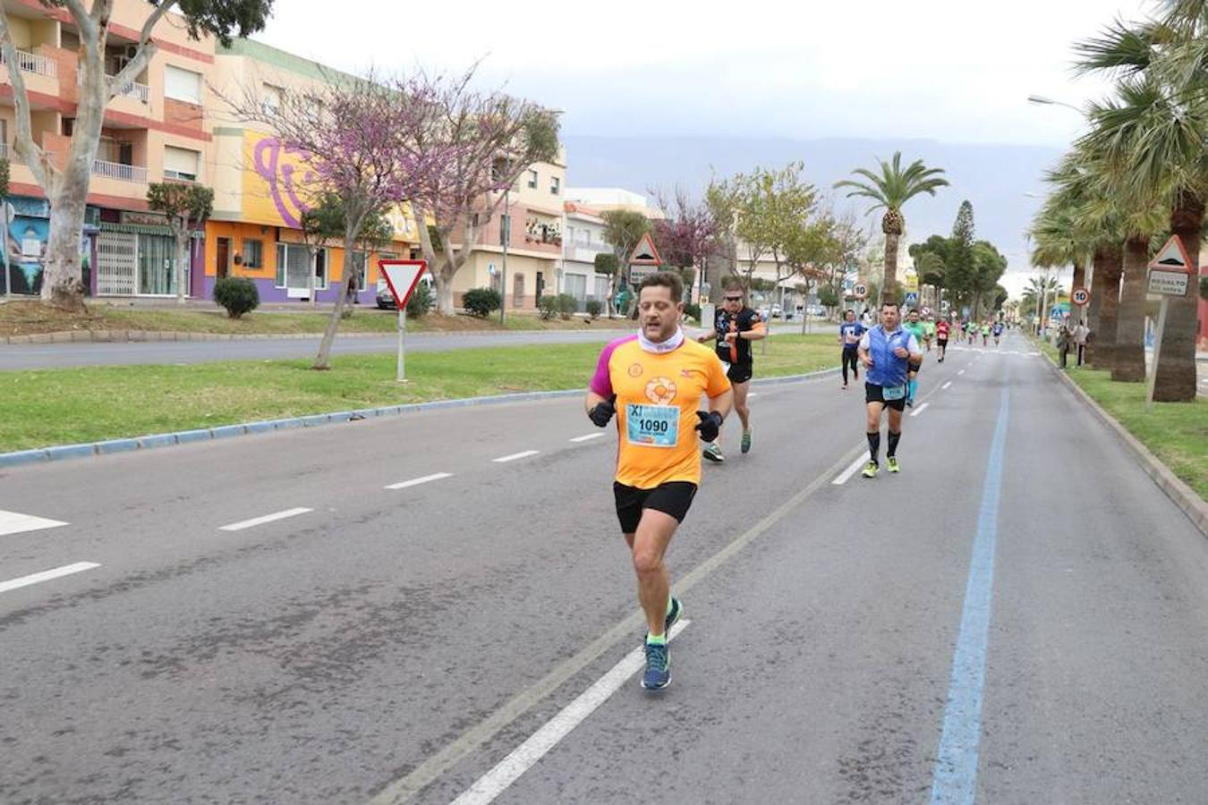 Cerca de 1.000 atletas se calzan las zapatillas en la XI Media Maratón Ciudad de las Hortalizas