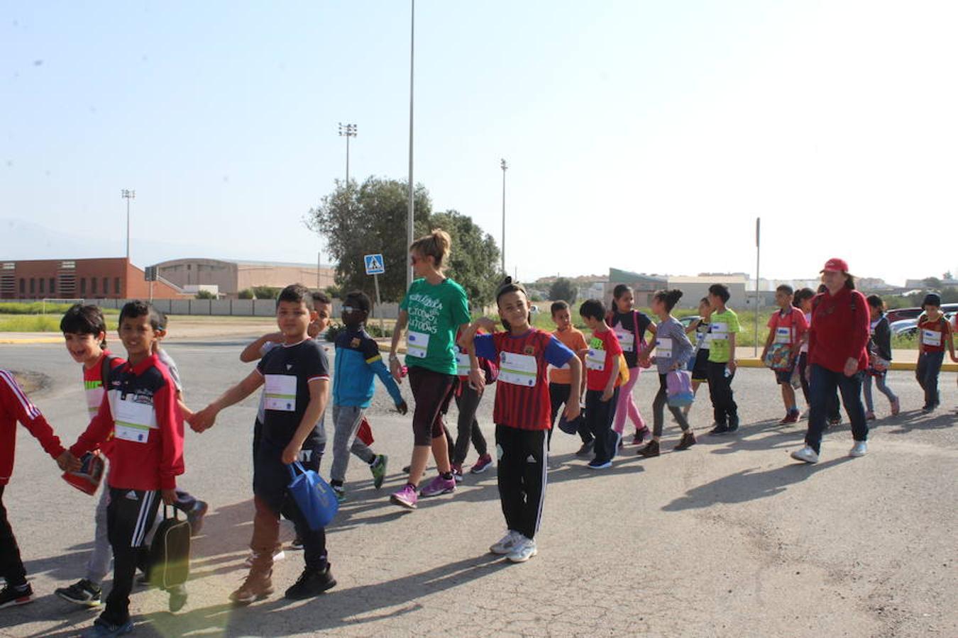 Más de 1.700 estudiantes participan en la I Marcha Solidaria de Las Norias