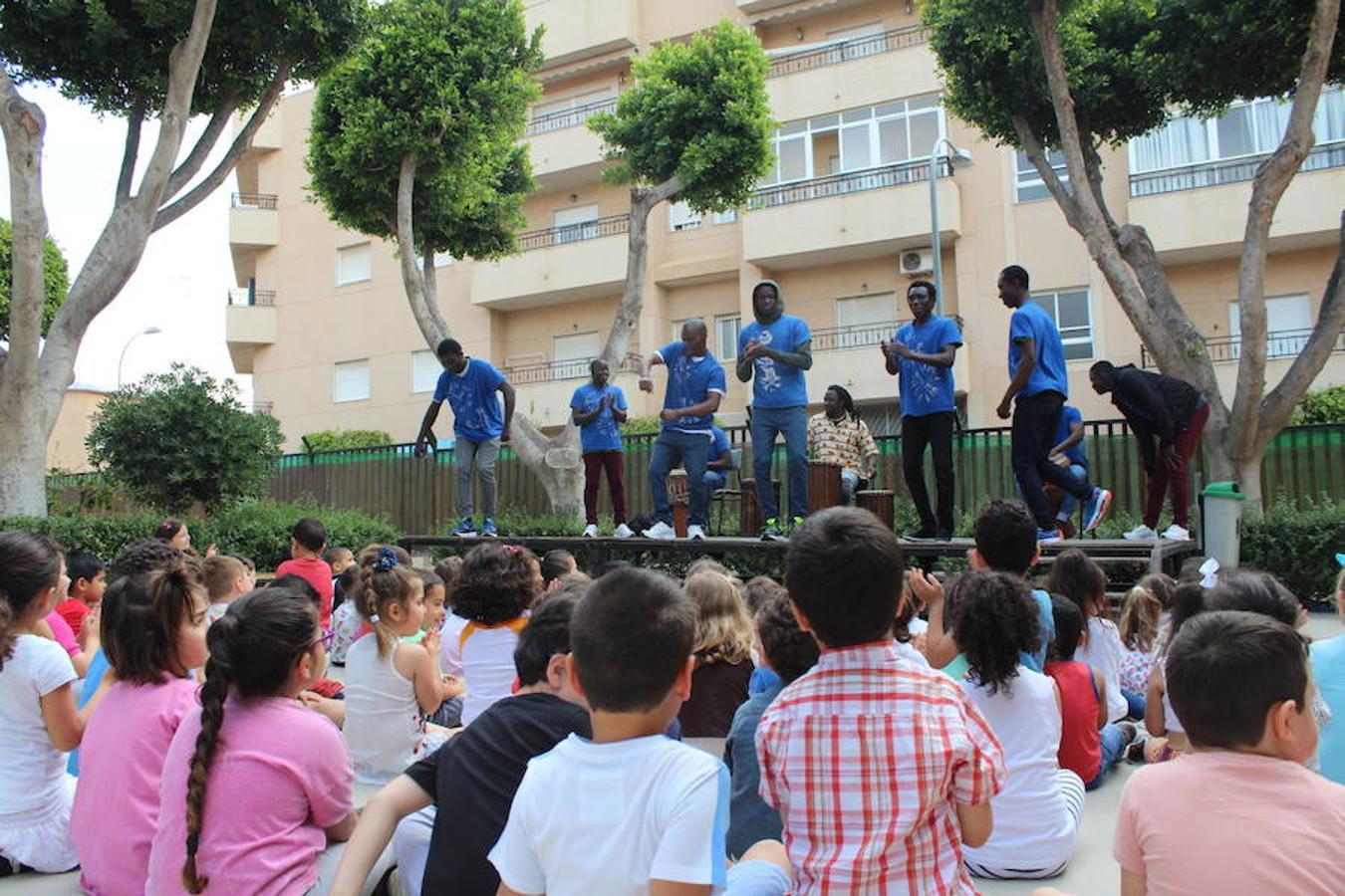 Cepaim lleva al Gabriela Mistral la música de percusión africana