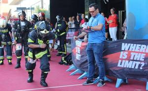 Más de 200 corredores coronan el cielo de El Ejido