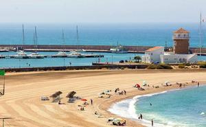 El Ayuntamiento cierra con balance positivo el Plan de Playas en un año con más recursos y medios