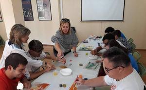 Actividades de sensibilización y ocio en el Centro Asociativo Municipal