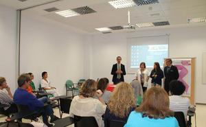 La Escuela de Pacientes de Cáncer de Mama del Poniente es referente andaluz