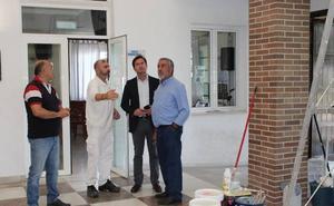 El Ayuntamiento lleva a cabo tareas de mejora en el Centro de Mayores de Las Norias