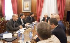 La inmigración centra la visita del alcalde a Melilla
