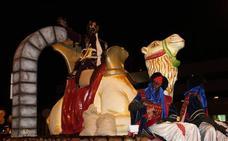Magia, música, color e ilusión inundan las calles en la Cabalgata de Reyes