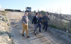 El camino del cementerio viejo de Balerma cambia de imagen con nueva pavimentación