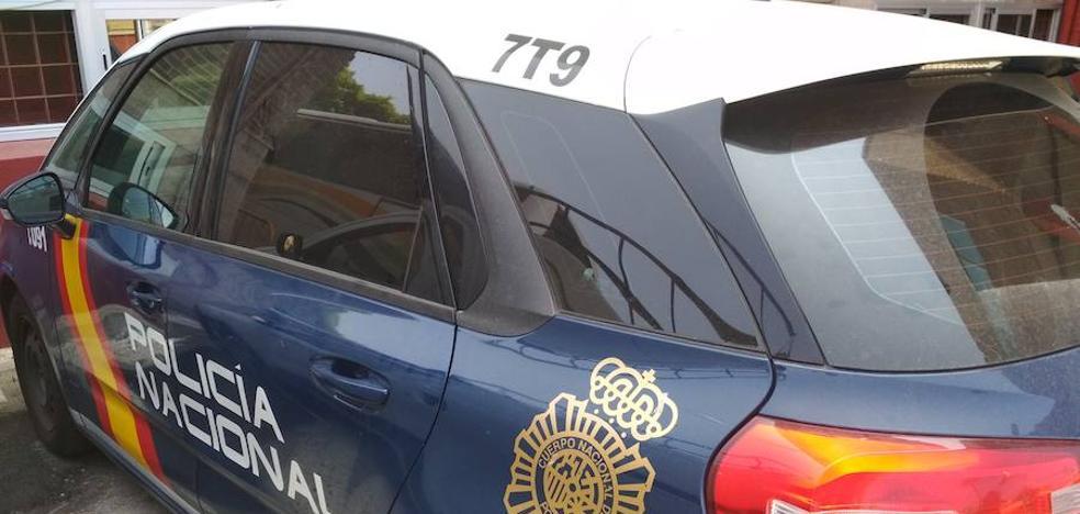 Fuerza un camión para robar y dos agentes de Policía le pillan 'in fraganti'