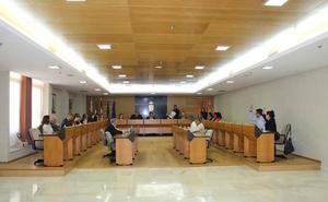 Se adjudica el servicio de transporte urbano del municipio solo con los votos a favor de PP