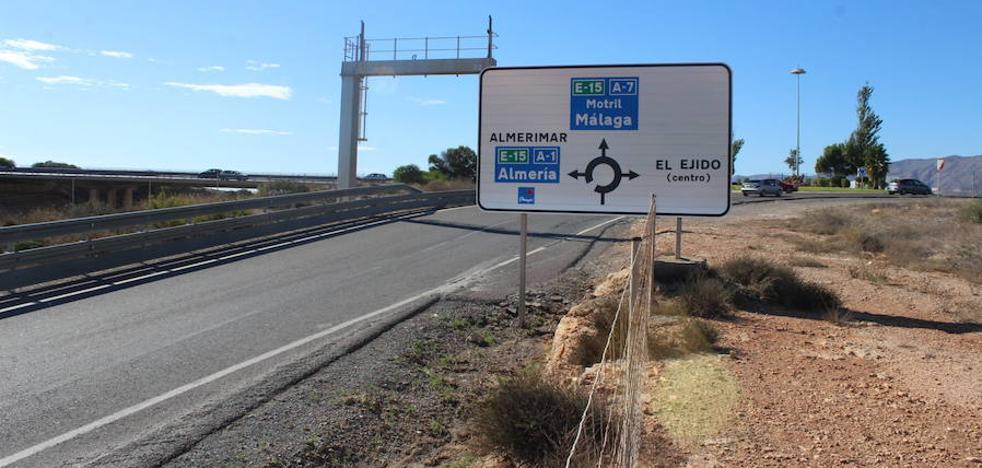 El alcalde abordará con Carreteras el estado del proyecto de la carretera de Almerimar