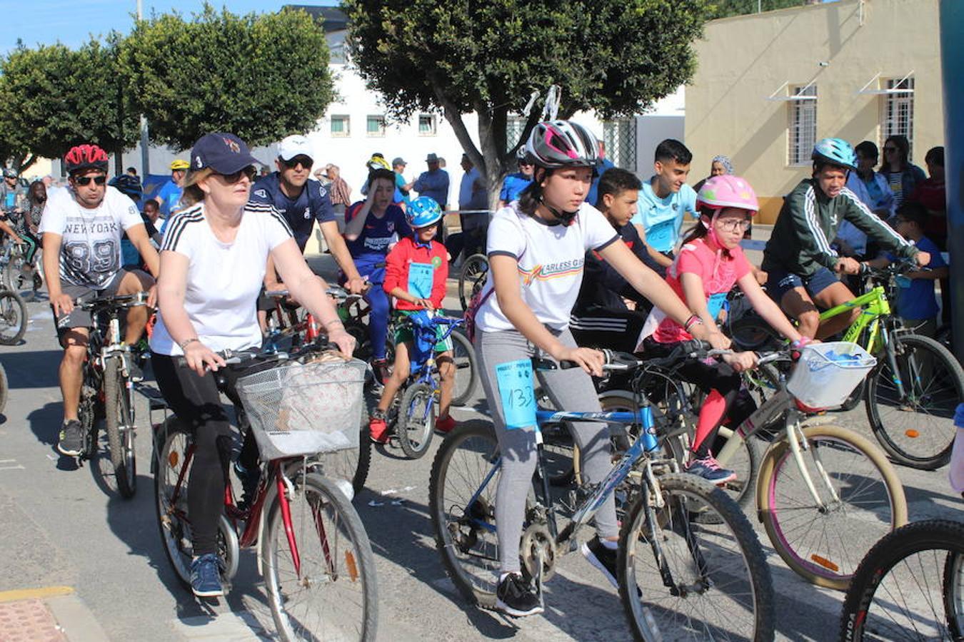 Más de 200 personas disfrutan en Las Norias del Día de la Bicicleta