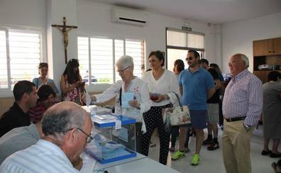 La jornada electoral comienza con una mañana de mucho movimiento