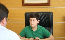 El joven Manuel Pérez, elegido alcalde por un día de Santa María del Águila