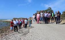 Los vecinos de Guardias Viejas piden arena para su playa que les permita pasar este próximo verano