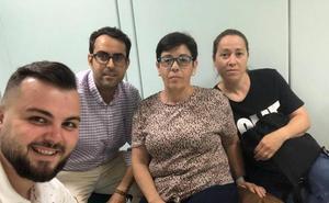 Vecinos de Balerma se encierran en Costas para reivindicar una solución ya para su playa