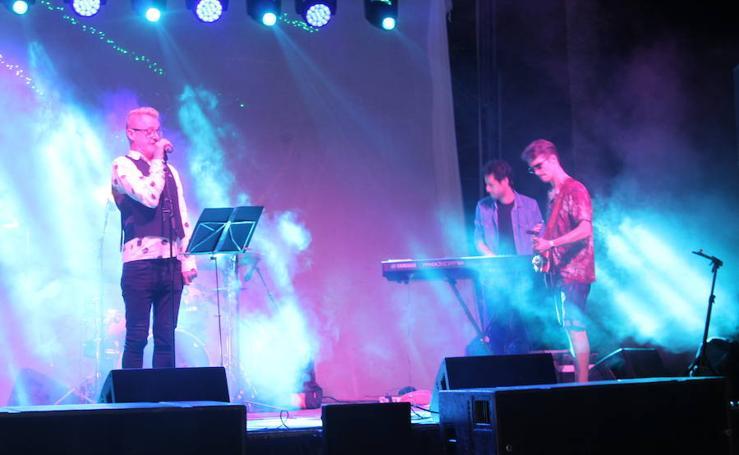 Mojitos y buena música para clausurar el Festival de Teatro de El Ejido