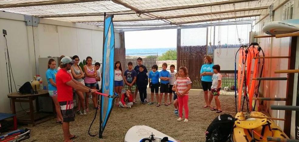 Deportes de mar y el golf centrarán la Semana Azul en Almerimar y Balerma