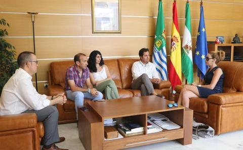 El alcalde solicita más recursos para atender las necesidades sociales de la población
