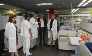 El área de Biotecnología del Poniente atiende más de 2.800 analíticas diarias