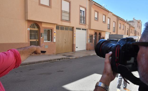 Concentracion En Huercal De Almeria Por La Muerte Del Menor Hallado En El Ejido Elejido Ideal