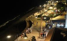 El gobierno local sustituirá todas las luminarias del Paseo Marítimo de Balerma