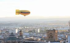Un dirigible para anunciar el día grande de Granada Gourmet