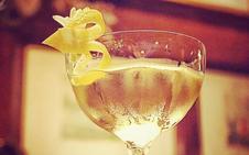 El Martini, de sus orígenes a la copa
