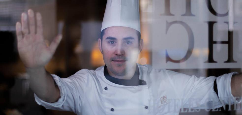 Rafael García, cocinero del Hotel Andalucía Center: «Para ganar visibilidad hace falta relacionarse más con el mundo exterior»