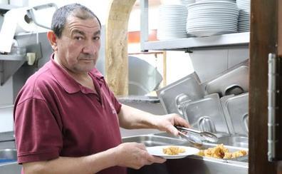 Bichitos, 40 años del icónico bacalao con tomate