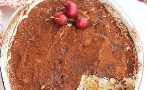 Tiramisú con cerezas, tradicional sabor italiano
