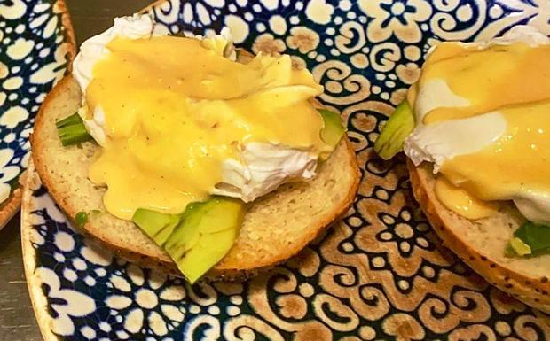 Huevos Benedictine.