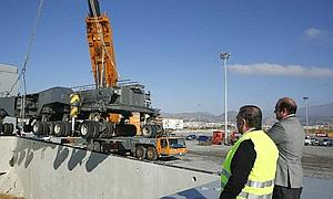 http://www.ideal.es/granada/noticias/201201/09/Media/Granada/puerto-motril--300x180.JPG