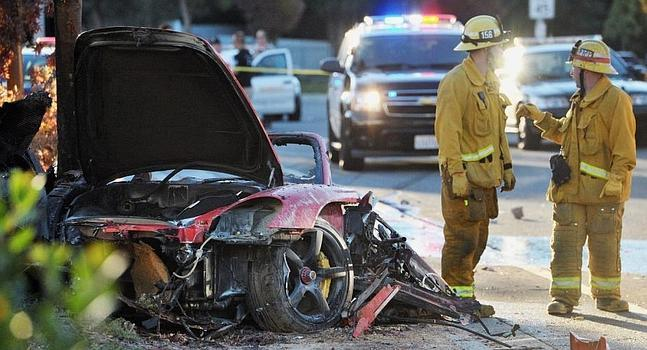V�deo del coche de Paul Walker ardiendo tras su accidente