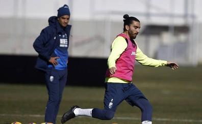 Chico Flores se enfrenta al club en el que se hizo famoso marcando a Xavi Hernández