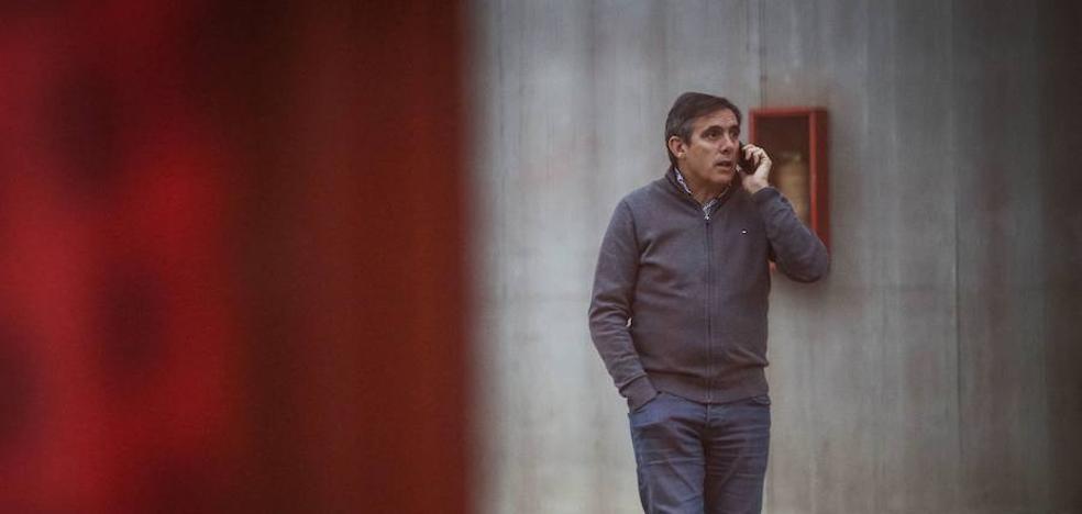 Salvador aguarda a una contraoferta del club