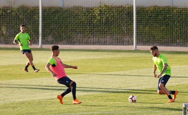 Primer entrenamiento del Granada con Diego Martínez como técnico