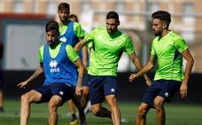 Diego Martínez prueba dos posibles onces horas antes de jugar con el Extremadura