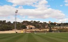 El Granada se aísla ocho días entre campos de golf