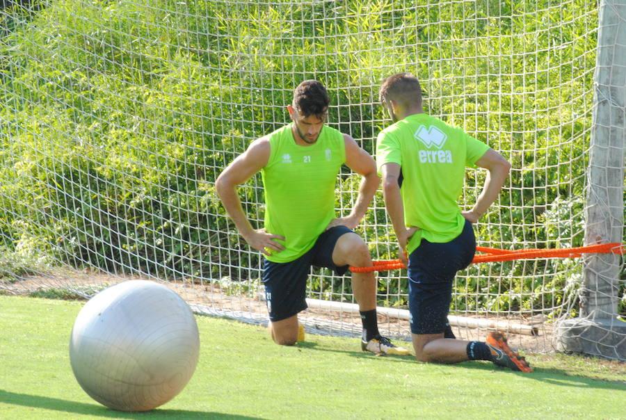 Entrenamiento en Orihuela del Granada CF
