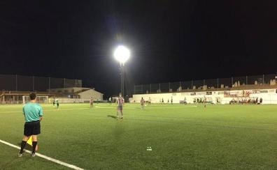 El Huétor Vega derrota al Granada Juvenil 'A' en el Trofeo San Roque