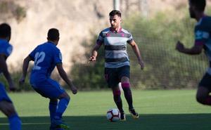 Pablo Vázquez, renovado y titular en Elche con el equipo rojiblanco