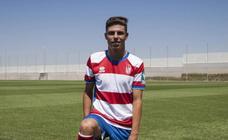Así ha sido la presentación de Pozo como nuevo jugador del Granada CF