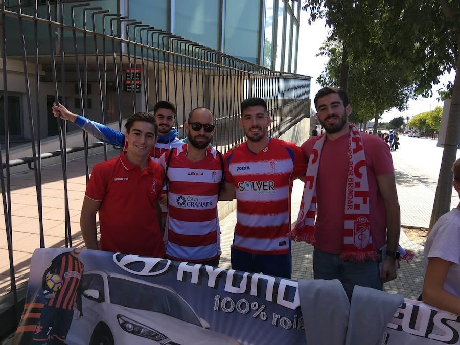 La afición del Granada CF, apoyando al equipo en Reus